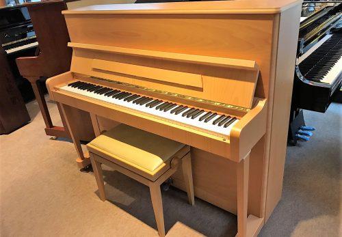 チェコの至宝 ペトロフアップライトピアノ入荷しました!