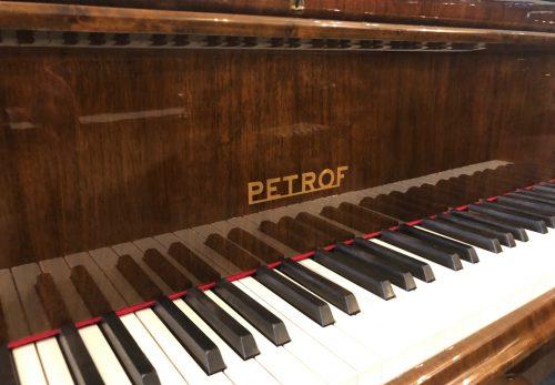 珍しい東欧のピアノが色々入荷しました